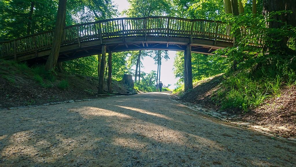 Knüppelbrücke im Jenischpark