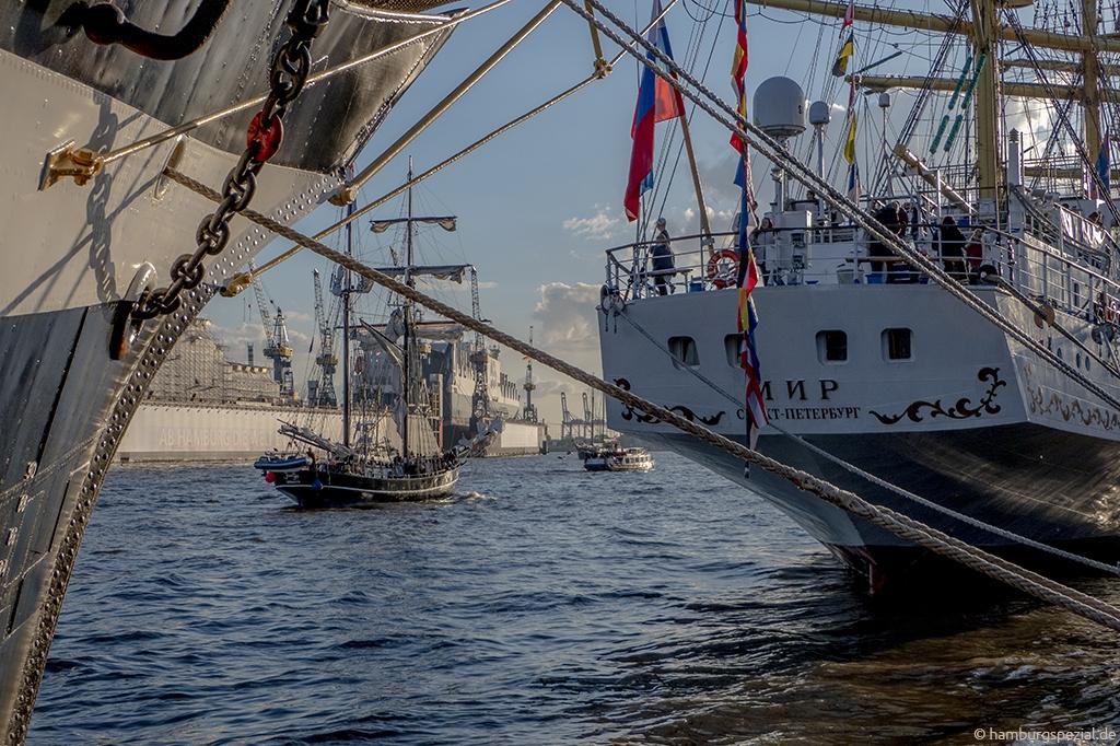 Schiffe gucken in Hamburg