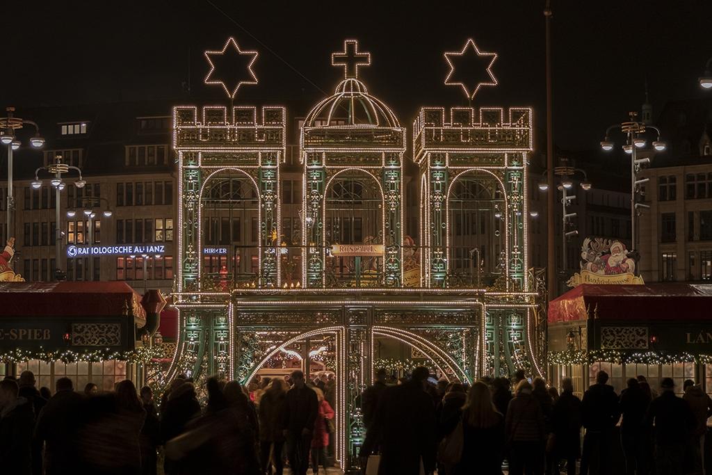 Rathaus Weihnachtsmarkt Hamburg