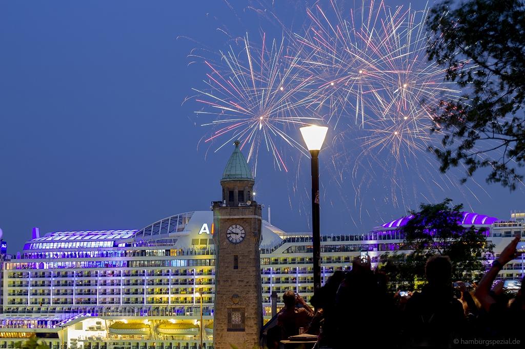 Feuerwerk Hafengeburtstag Hamburg