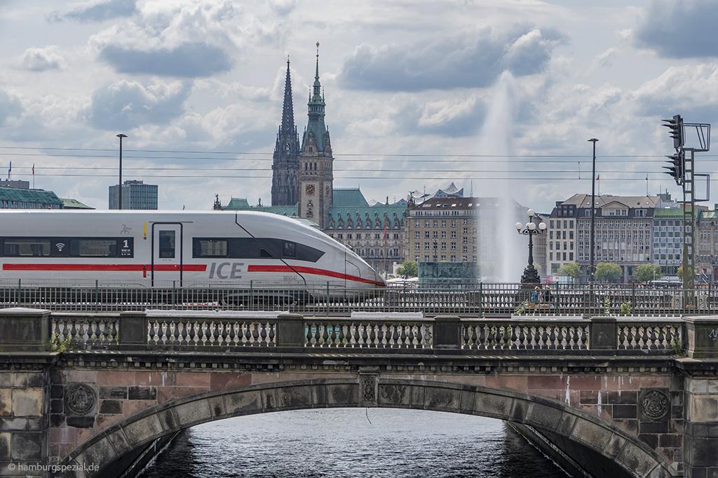 Mit der Bahn nach Hamburg